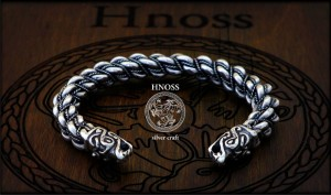 Big Silver Bracelet with Fenrir wolf heads (Burg)