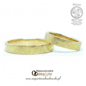 Gold Hammered II Wedding Rings