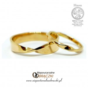 Gold Twisted Wedding Rings